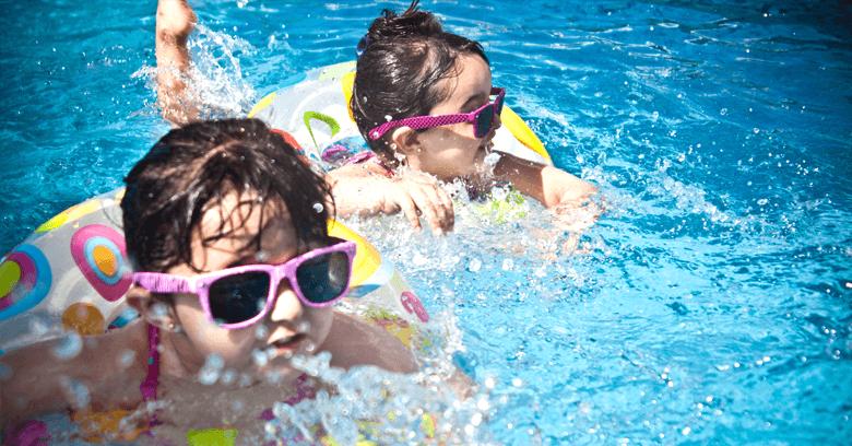 los niños deben usar gafas de sol