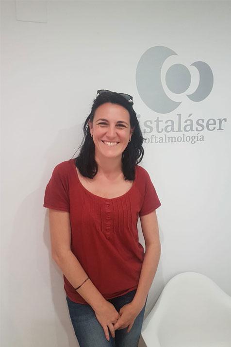 Marina, operada de miopía y astigmatismo en Málaga