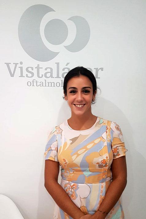 opinion de isabel tras operarse en malaga de miopia y astigmatismo